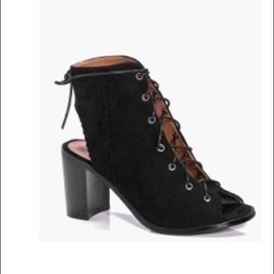 NWOT Boohoo lace up booties